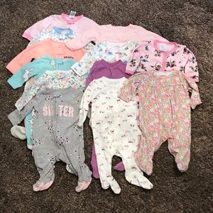 3 months sleeper lot mostly Carters